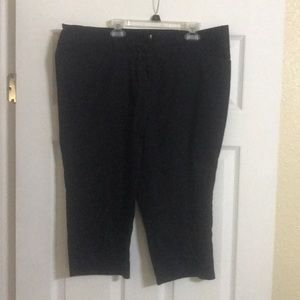 Black Capri dress pant
